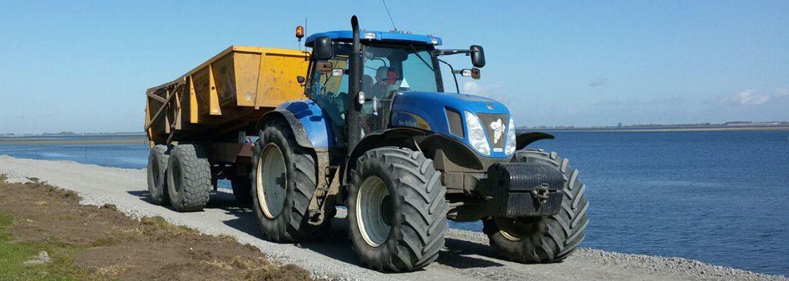 tractor asfaltverharding